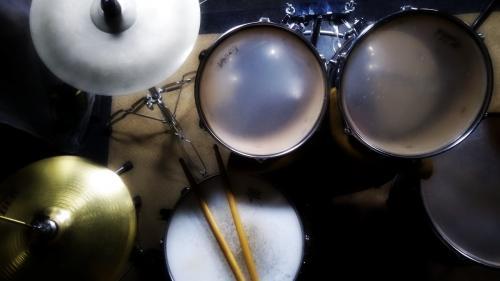 Живые барабаны на репетиционной базе Энтузиаст